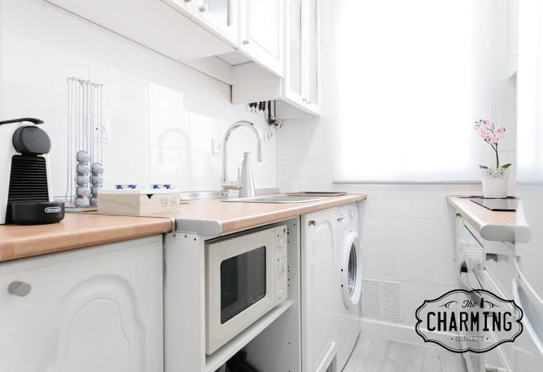 Charming Atocha, Madrid, Superior Apartment, 2 Bedrooms, Private kitchen