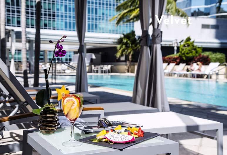 Conrad Condos by Velvet Luxury, Miami, Family Condo, Non Smoking, Ocean View, Poolside Bar