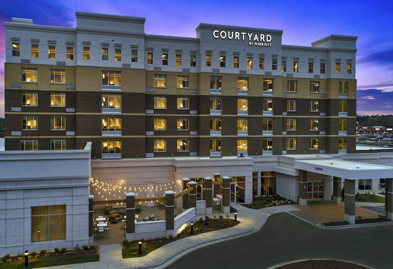 Courtyard by Marriott Raleigh Cary/Parkside Town Commons, Morrisville