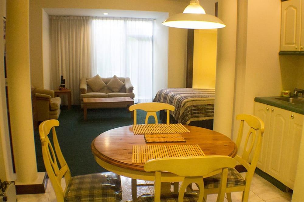 Номер-люкс із покращеним обслуговуванням, 1 двоспальне ліжко - Житлова площа