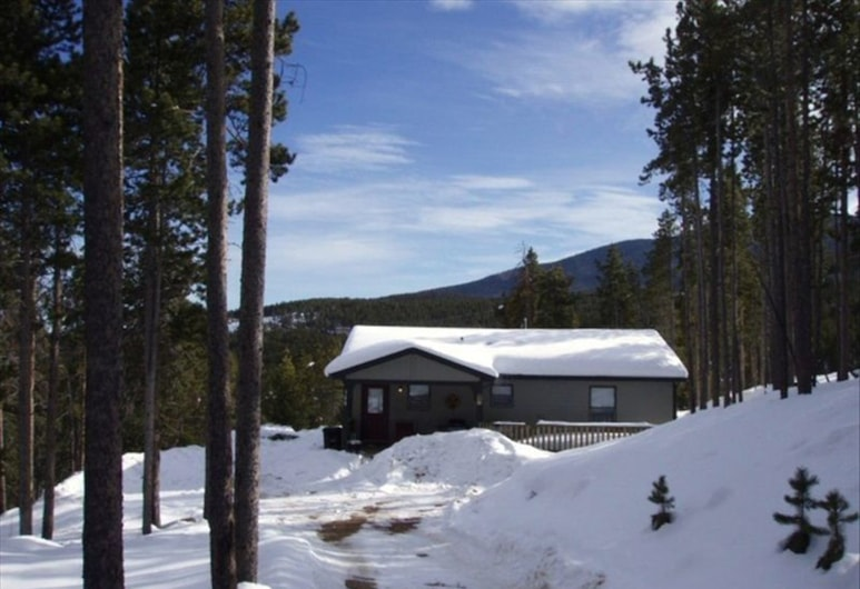 Wilderness Cabin on the Canyon, Evergreen