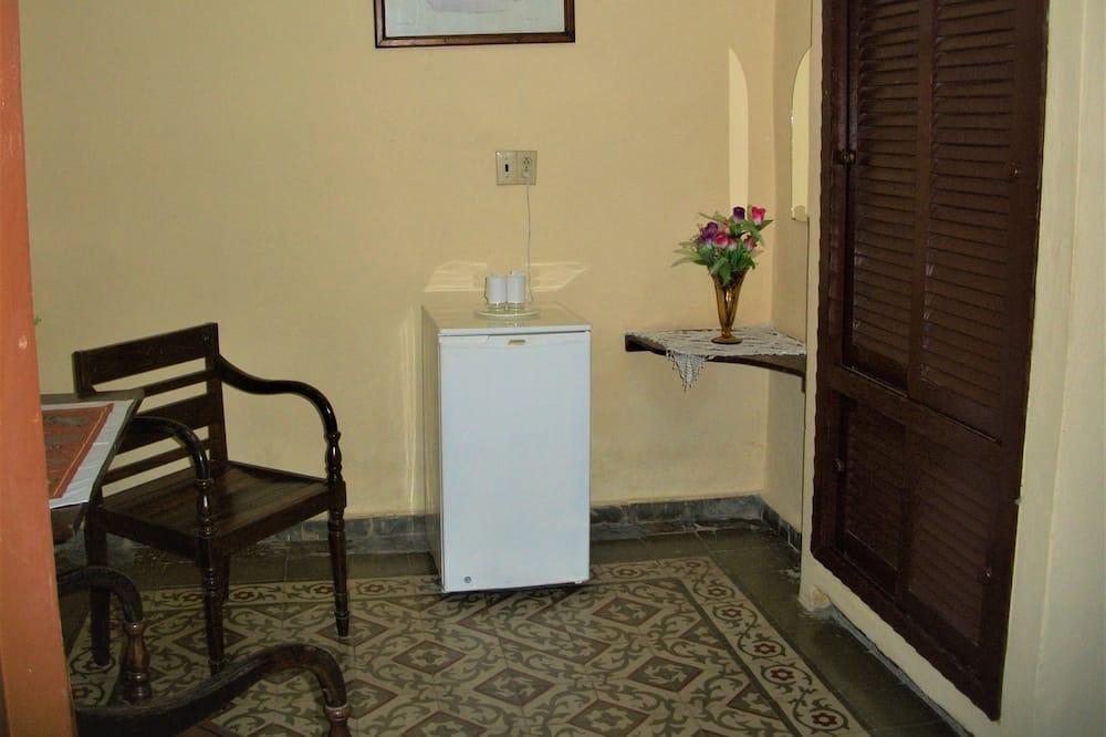 标准双人房, 多张床, 吸烟房 - 起居区