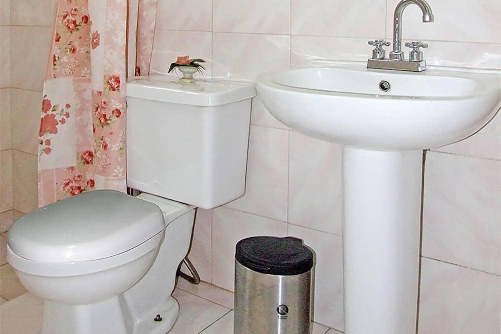 베이직 아파트, 퀸사이즈침대 1개, 금연 - 욕실