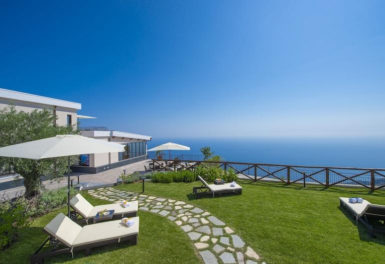 Villa Paradise Resort, Agerola, Sundeck