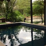 Family House with Private Pool - Privatpool