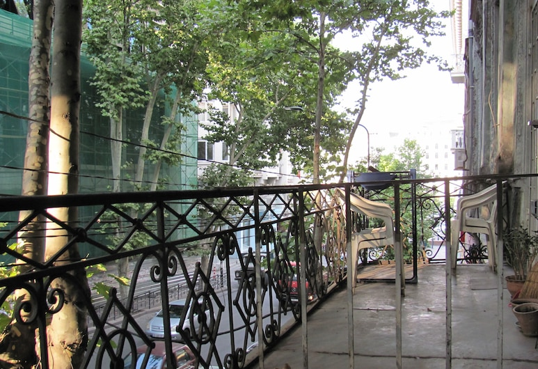 Lucky Travelers Room - hostel, Tbilisi, Quarto Twin Básico, Varanda, Varanda