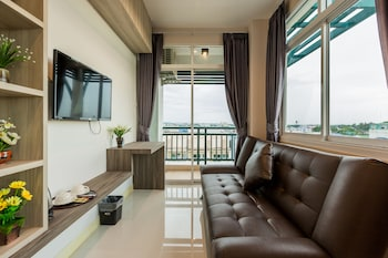 Picture of Evergreen Suite Hotel in Surat Thani