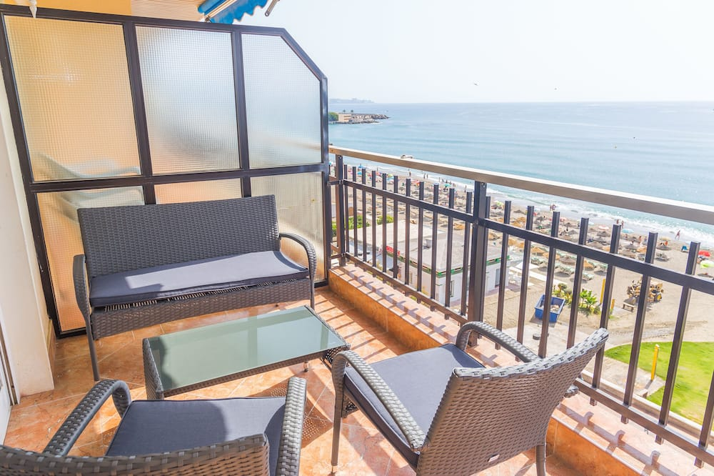 Beachfront 4BR Big groups or 2 families