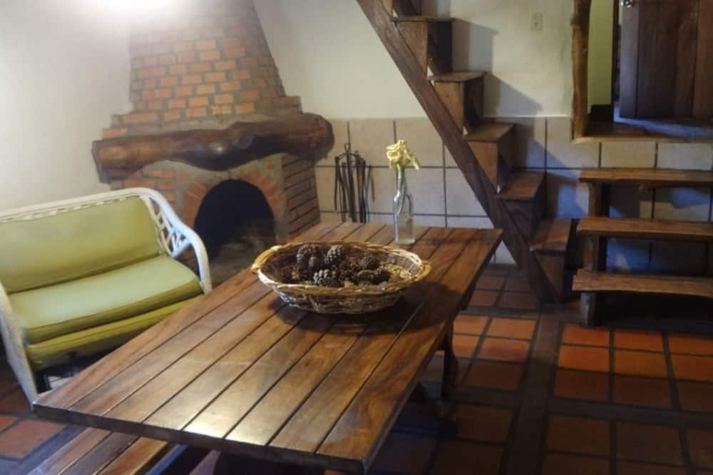 Family Cabin, Multiple Beds, Non Smoking (Lienzo) - Living Area
