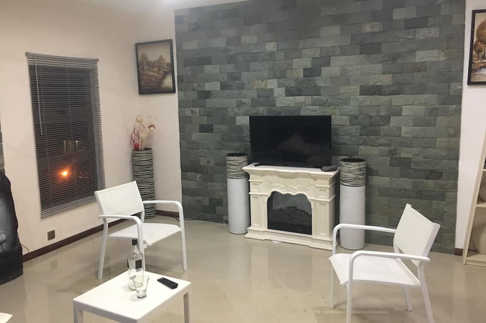 Panoramic Studio, 2 Twin Beds, Non Smoking - Living Area
