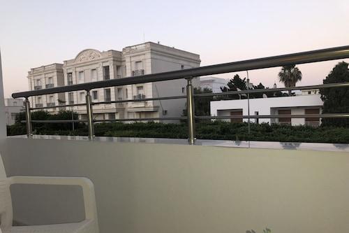 拉瑪爾薩新舒適公寓飯店/