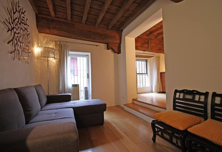 Travel & Stay - Chiavari, Rome, Appartement, 1 slaapkamer, Woonruimte