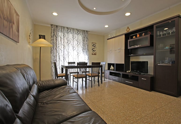 Travel & Stay - Domus Papa, Rome, Apartment, 2 Bedrooms, Living Room