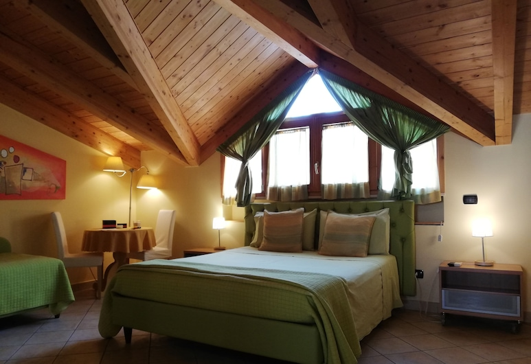 B&B DOMUS TRAIANI, Benevento, Deluxe Double Room, Guest Room