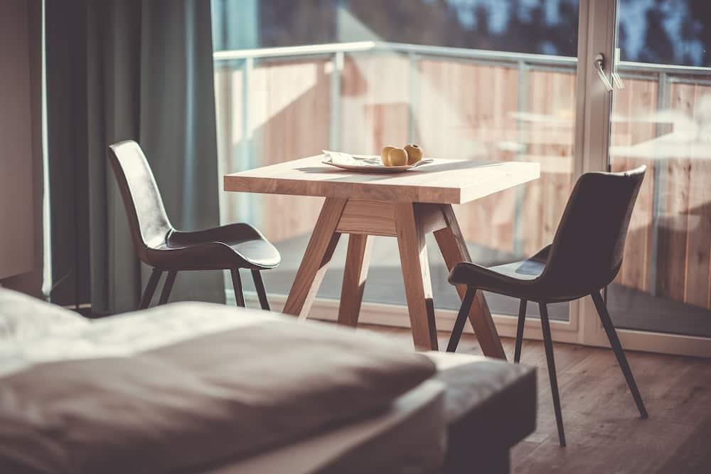 Junior Suite, Mountain View - Tempat Makan dalam Bilik