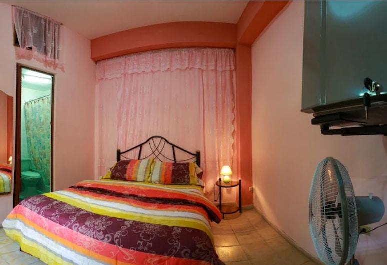 聖艾蓮娜青年旅舍, 西恩富戈斯