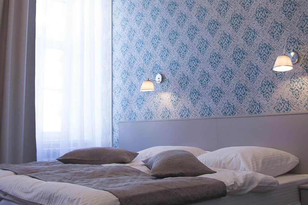 Dvivietis kambarys su patogumais, 1 didelė dvigulė lova - Svečių kambarys
