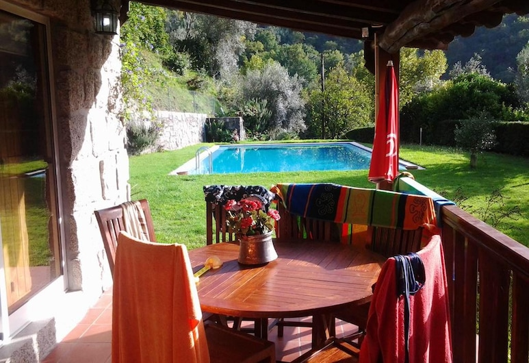 Villa With 2 Bedrooms in Caniçada, With Wonderful Lake View, Private Pool, Enclosed Garden - 91 km From the Beach, Vieira do Minho, Terrace/Patio