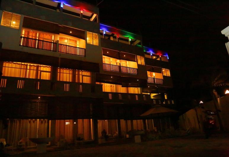 The Surflanaka Resort, Ahangama