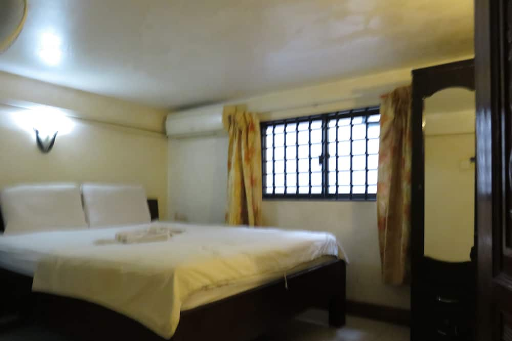 Economy Double Room, 1 Queen Bed, Non Smoking - Guest Room