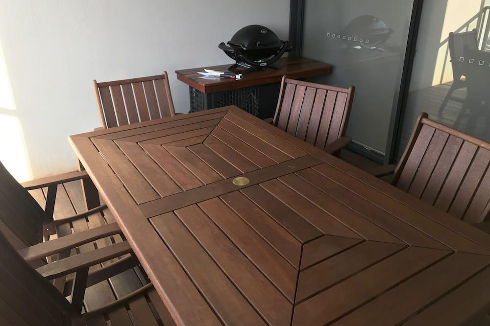 Executive Apartment, 2 Bedrooms, Partial Ocean View - Balcony
