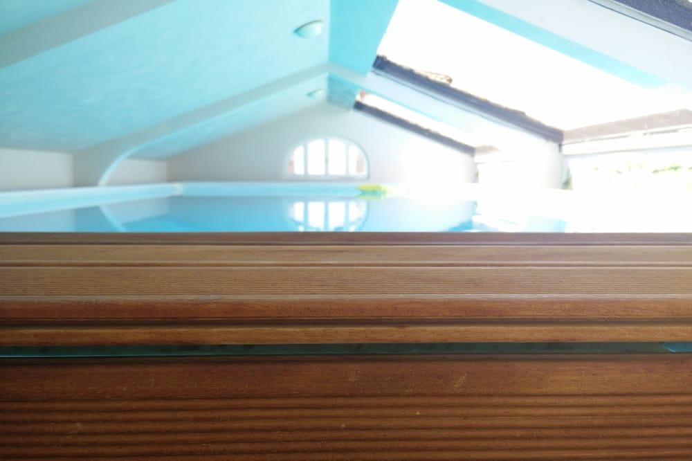 Piscina Interior/Exterior