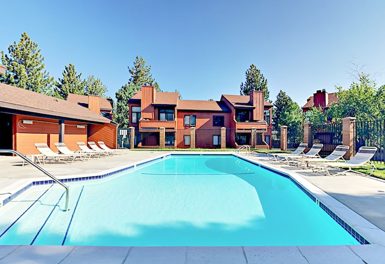 Sunrise 1br W/ Pool & Spa 1 Bedroom Condo, Mammoth Lakes, Outdoor Pool