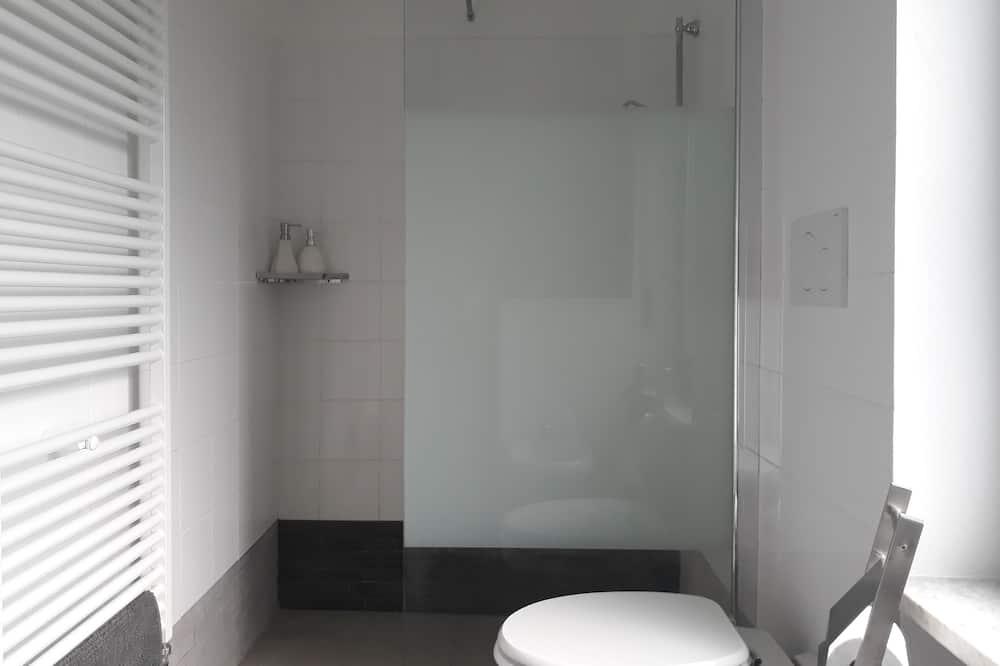 Dvojlôžková izba s panoramatickým výhľadom, 1 veľké dvojlôžko, výhľad na kopec - Kúpeľňa