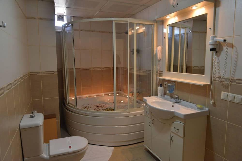 Phòng Suite, Bồn tắm thủy lực - Phòng tắm