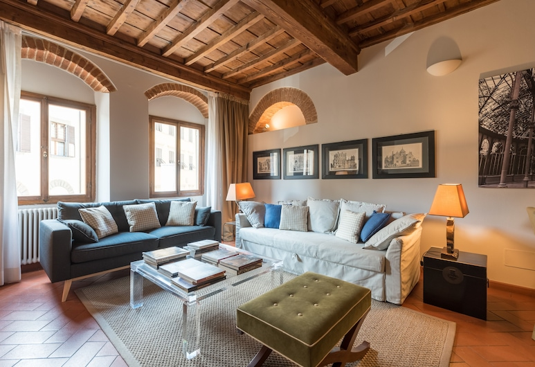 Heart of Florence Pitti 2 Bed-apartment, Florence