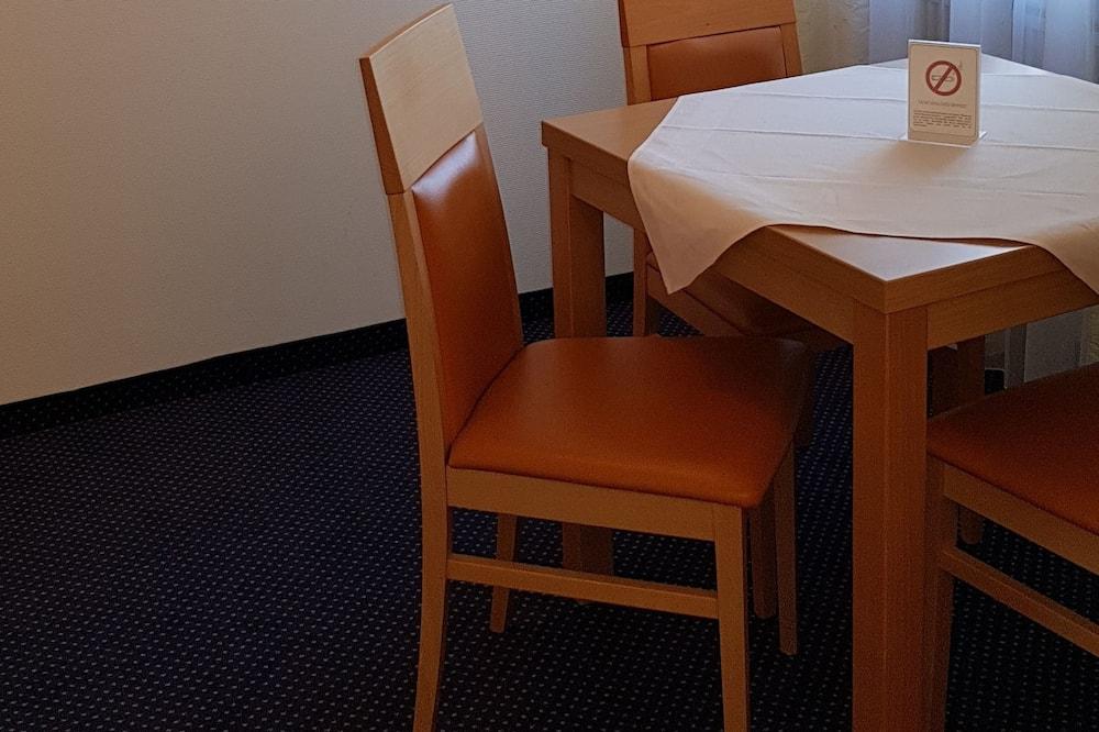 開放式客房 - 客房內用餐