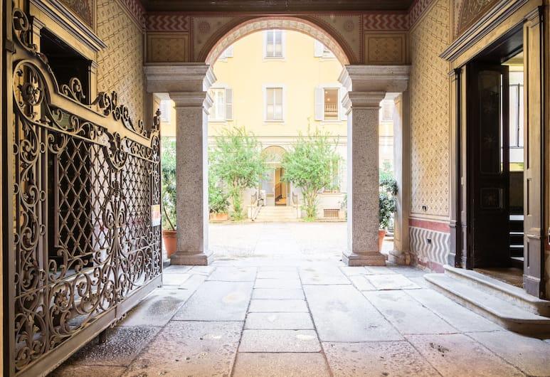 홈 앳 호텔 코페르니쿠스 아파트, 밀라노, 외부