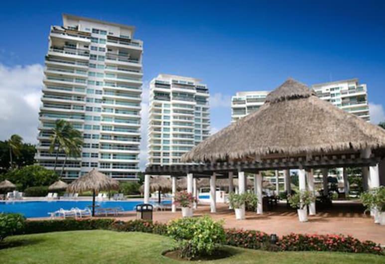 Shangri La Penthouses by Cheap Getaway, Puerto Vallarta, Pool