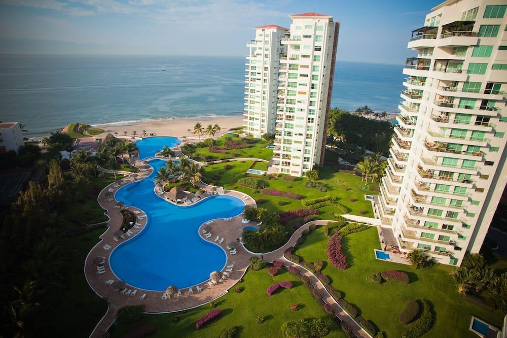 Shangri La Penthouses by Cheap Getaway