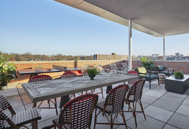 Graduate Bloomington, Bloomington, Executive Suite, 1 King Bed, Terrace (Premium King Terrace Suite), Terrace/Patio
