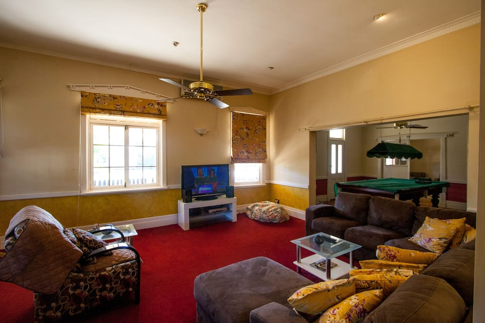 Traditional House, Multiple Bedrooms, Patio - Living Area