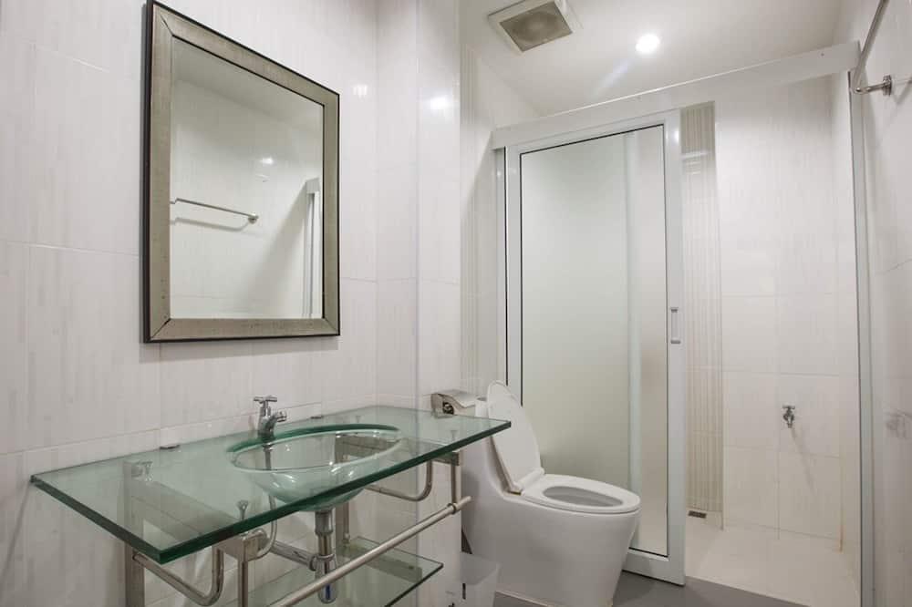 Standard Twin Room, 2 Katil Bujang (Single), Non Smoking - Bilik mandi