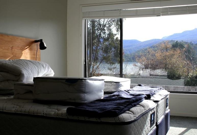 Tranquil 3 Bedroom Next To National Park, Maydena, Huis, 3 slaapkamers, Kamer