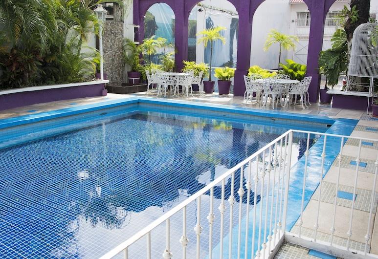 米歇爾飯店, 聖安德烈斯圖斯特拉, 游泳池