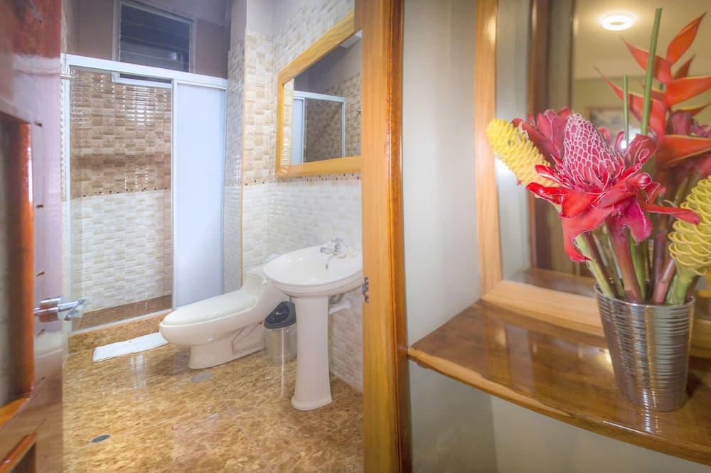 Quarto Duplo, 1 cama queen-size, Casa de Banho Privativa - Casa de banho