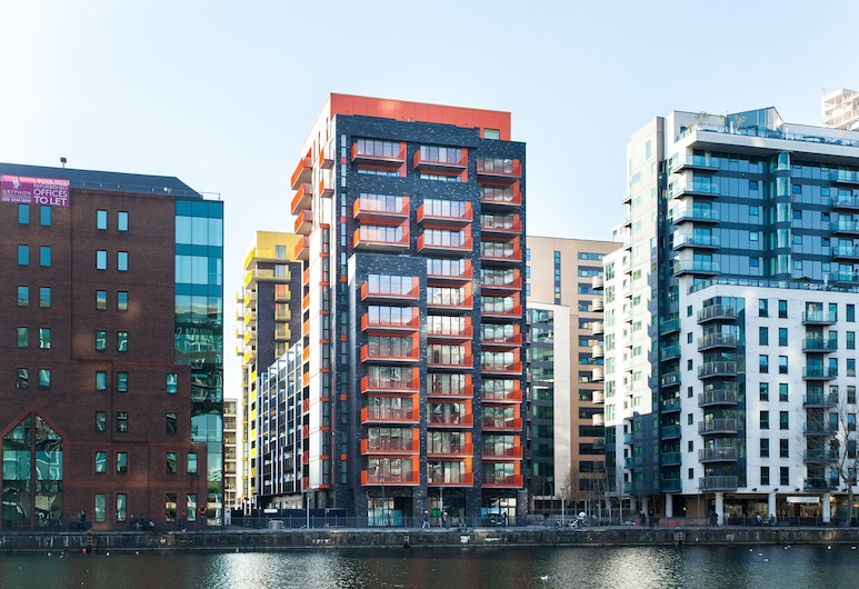 Clover Court by Q Apartments, London