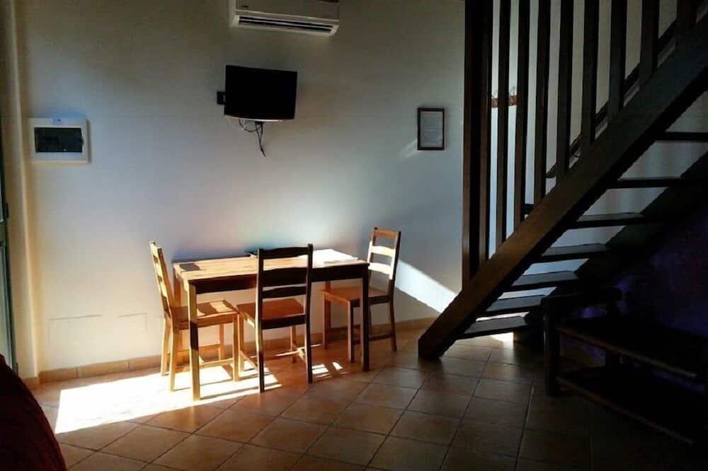 Classic Duplex - In-Room Dining