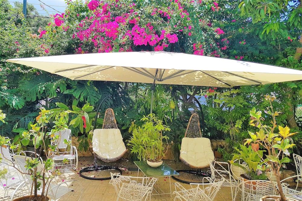 Luxury Villa-Casa Nostra  - 뜰 전망