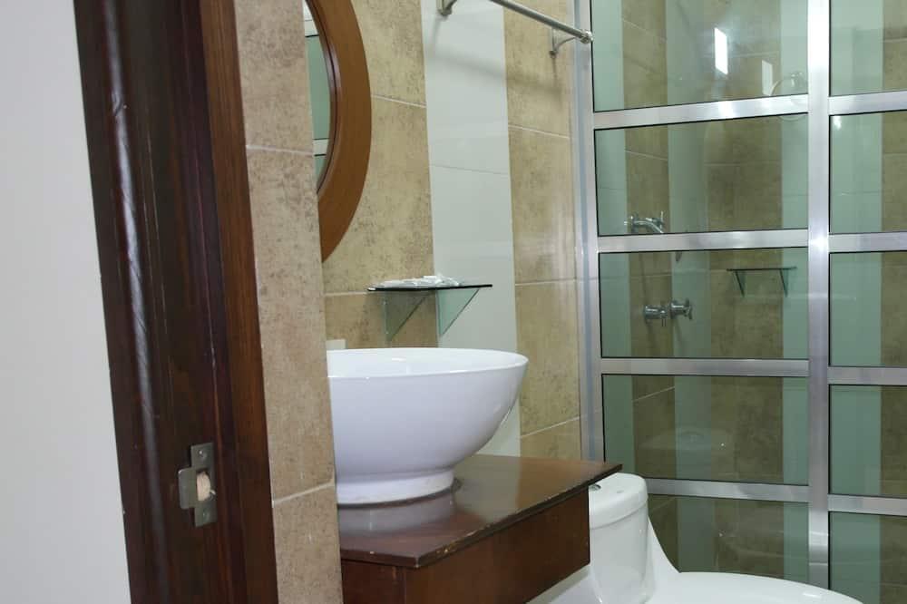 Basic Room, 1 Bedroom - Bathroom