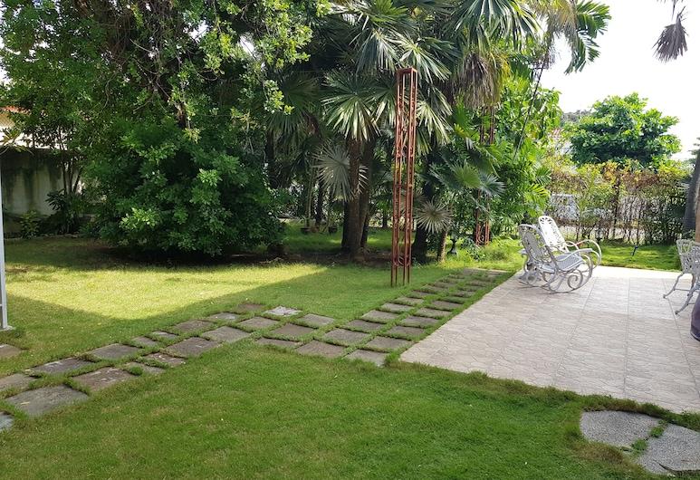 Casa Doña Eneida, Havana, Teres/Laman Dalam