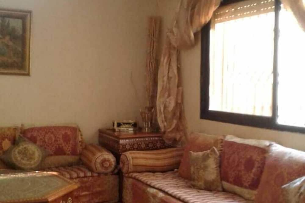 Comfort House, 2 Bedrooms, Non Smoking, City View - Living Area