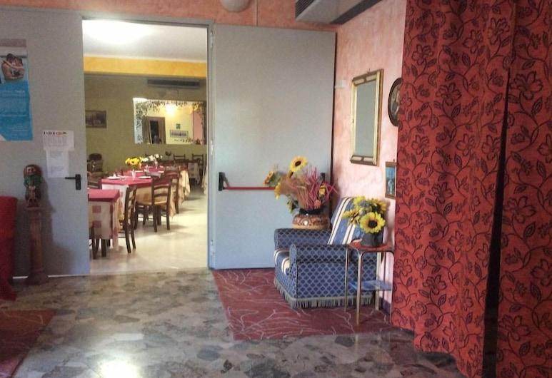Nuovo Albergo Rex, Chianciano Terme, Interior Entrance