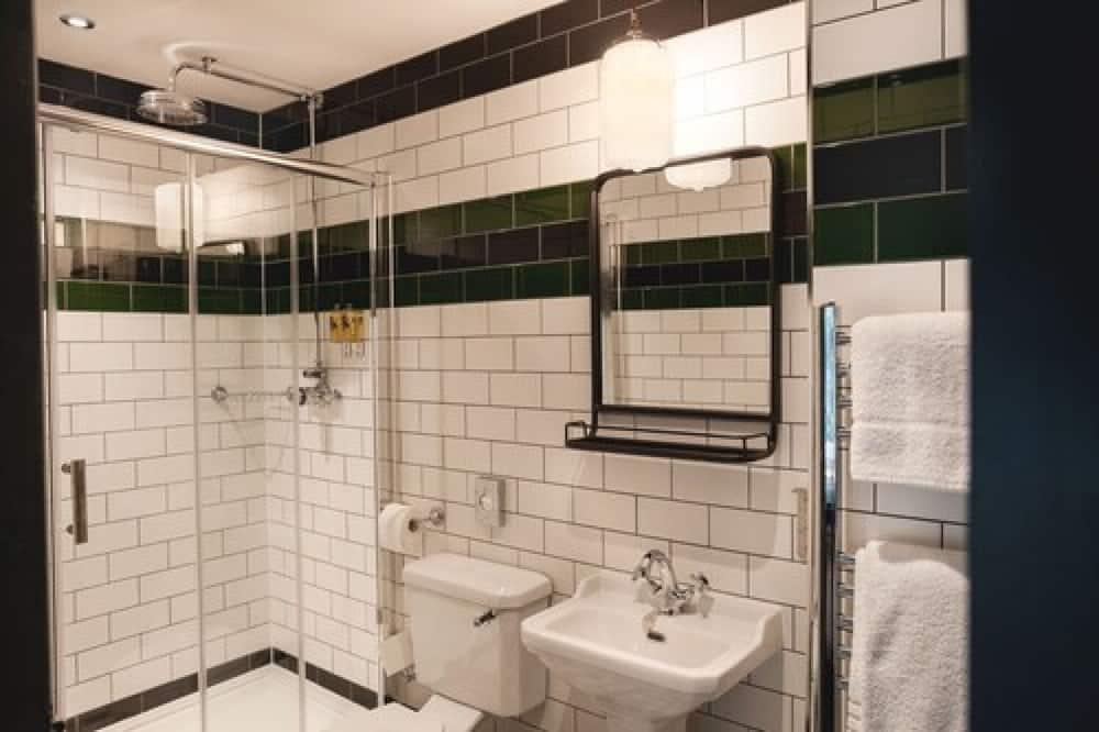 Snug Double Room - Bathroom