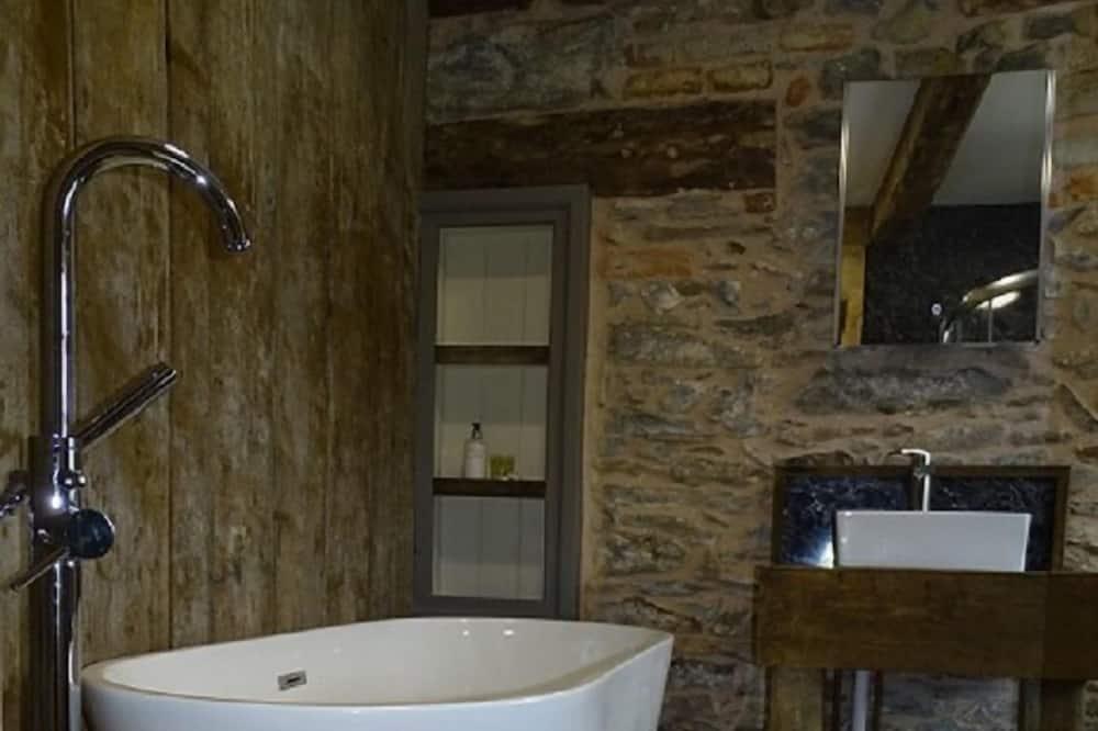 디럭스 더블룸, 욕조 - 욕실