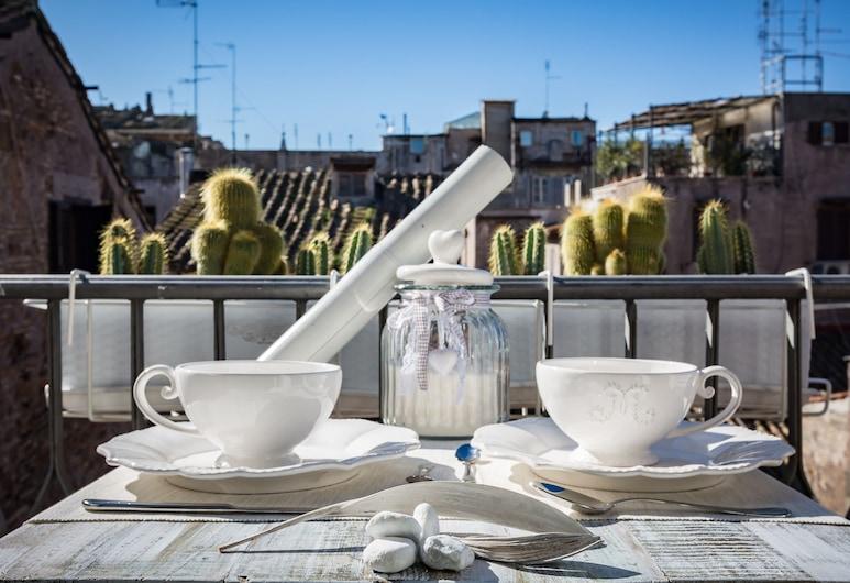 Campo Penthouse - Near Campo de' Fiori, Rím, Apartmán, Balkón